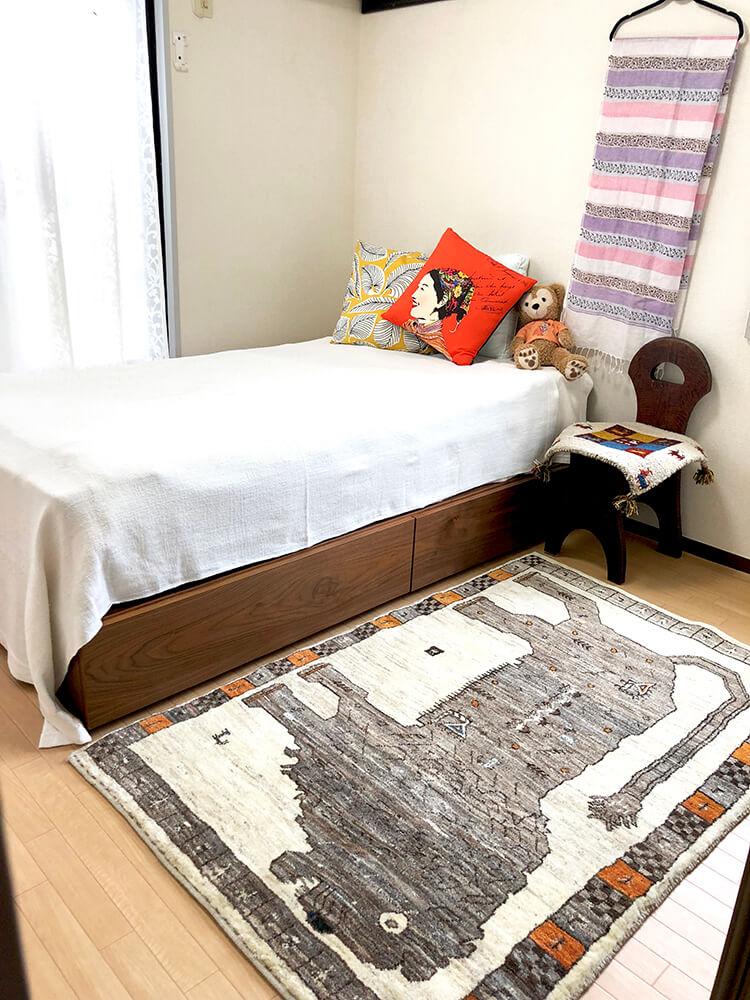 ベッド×ライオンラグ